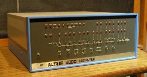 Altair 8800. Первый персональный компьютер