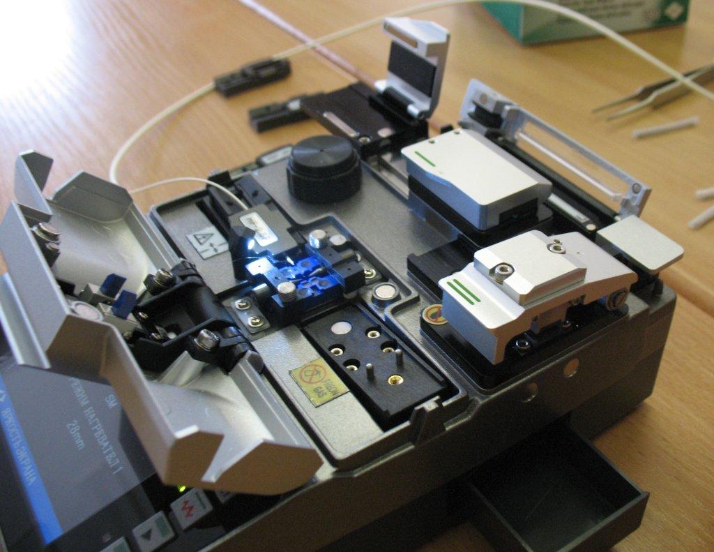 Аппарат для сварки оптоволокна