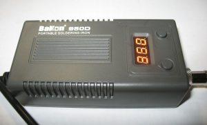 Паяльная станция Bakon 950D в работе